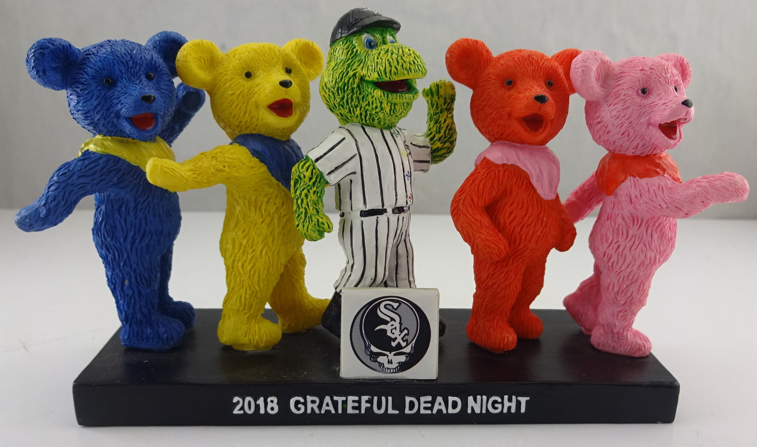 Chicago White Sox - Graceful Dead Southpaw-3in figurine 113513 (1).jpg