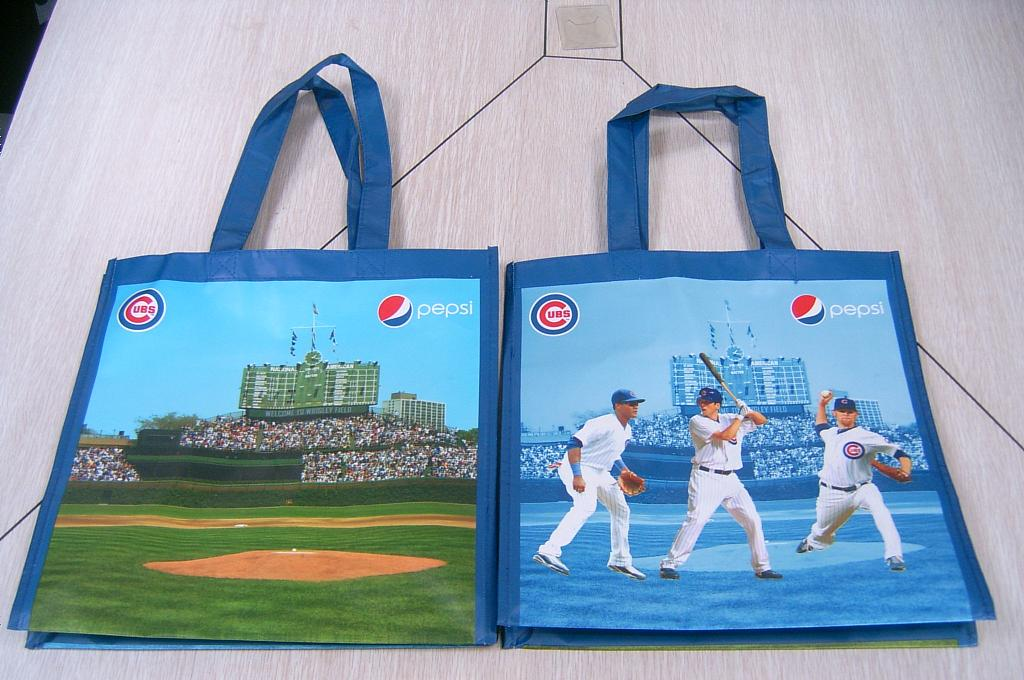 Chicago Cubs, Graphic Tote.JPG