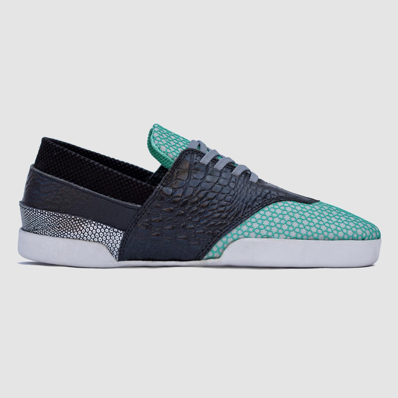 gr/001  genre footwear
