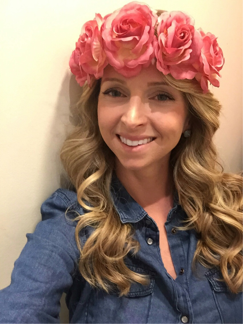 Who else is loving the rose headdress trend?
