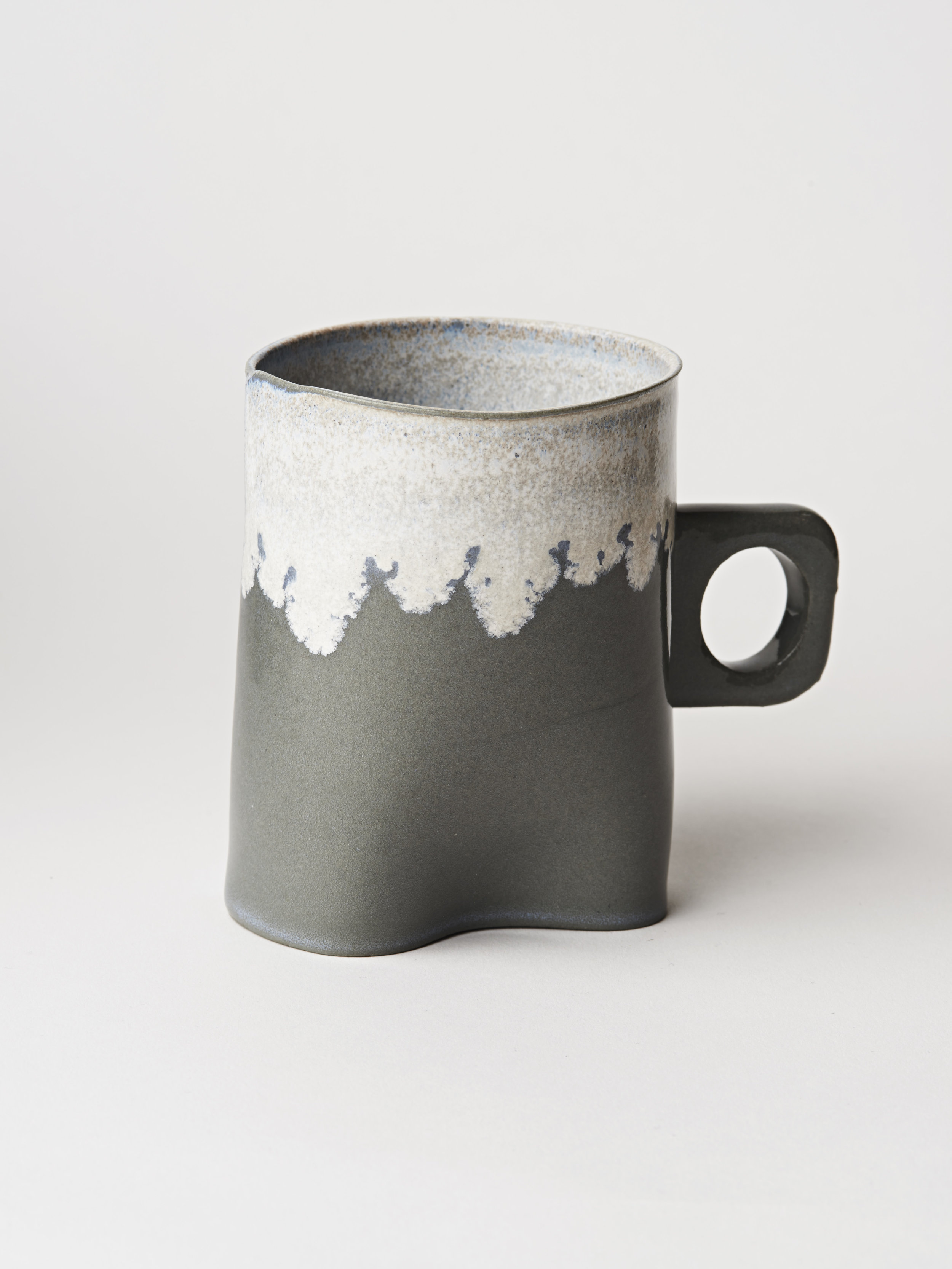 Tall Cup w/ Handle - Black