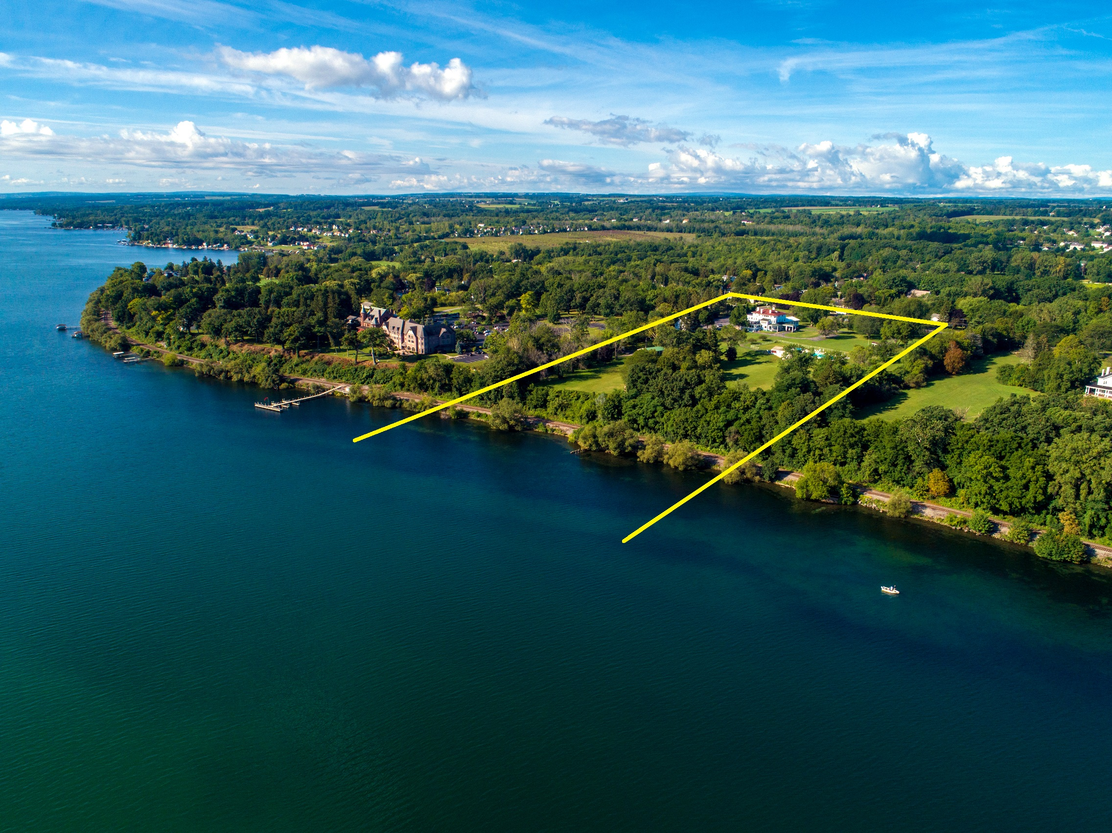 Located in  New York's  beautiful fresh water  Finger Lakes Wine Country Region  on the western shores of  Seneca Lake.  The property is situated on State Route 14 next to BelHurst Castle and Winery. Geneva on the Lake Resort and Hobart William Smith College are also on the same route.