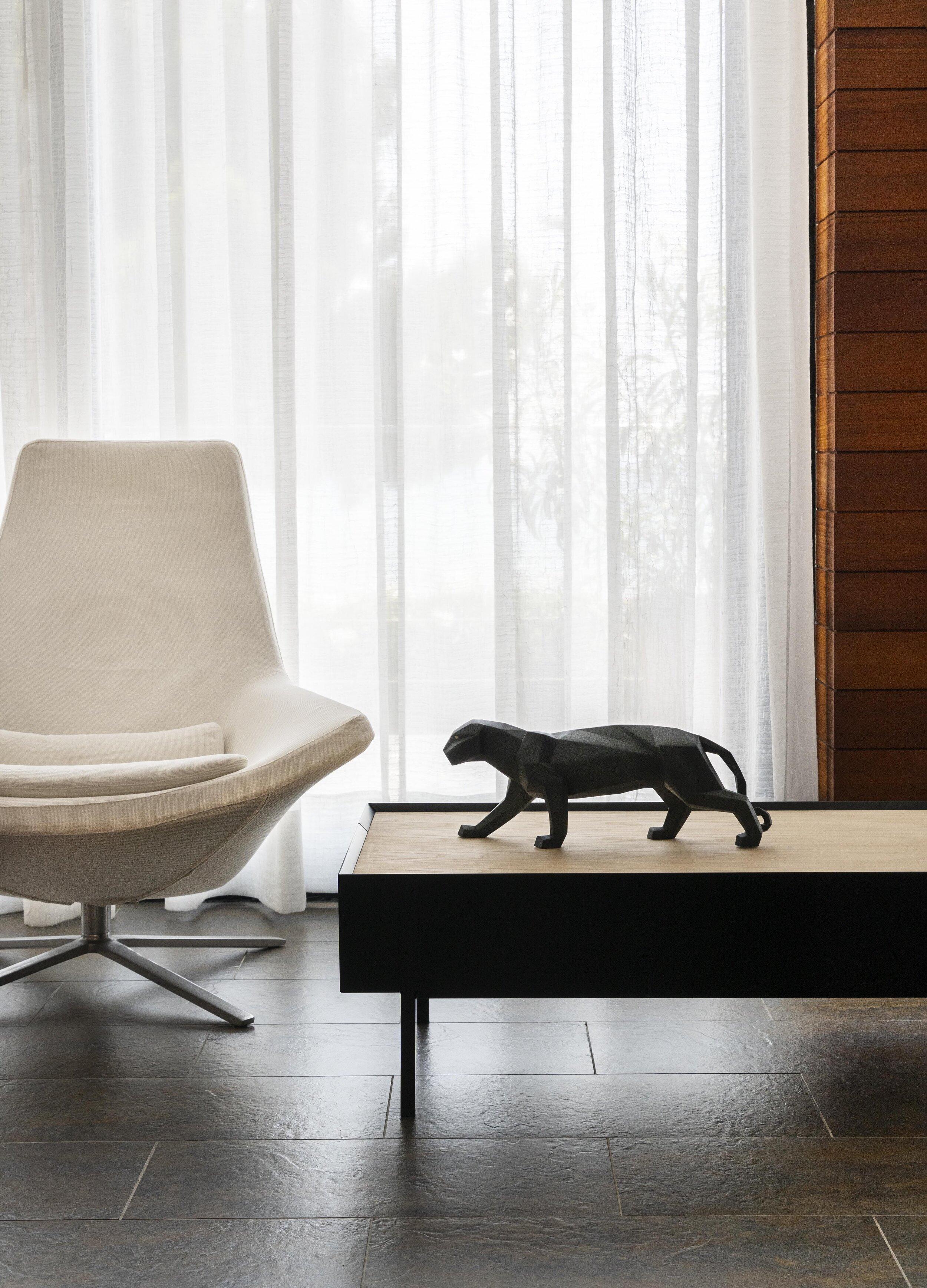 Leopard Resin Sculpture Model Office Bar Black Panther Crafts ... | 3473x2500