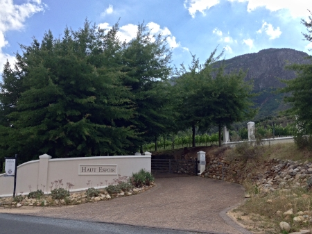 Our gate entrance will be on your right hand side. If you reach Boekenhoutskloof estate you have travelled 200m too far.