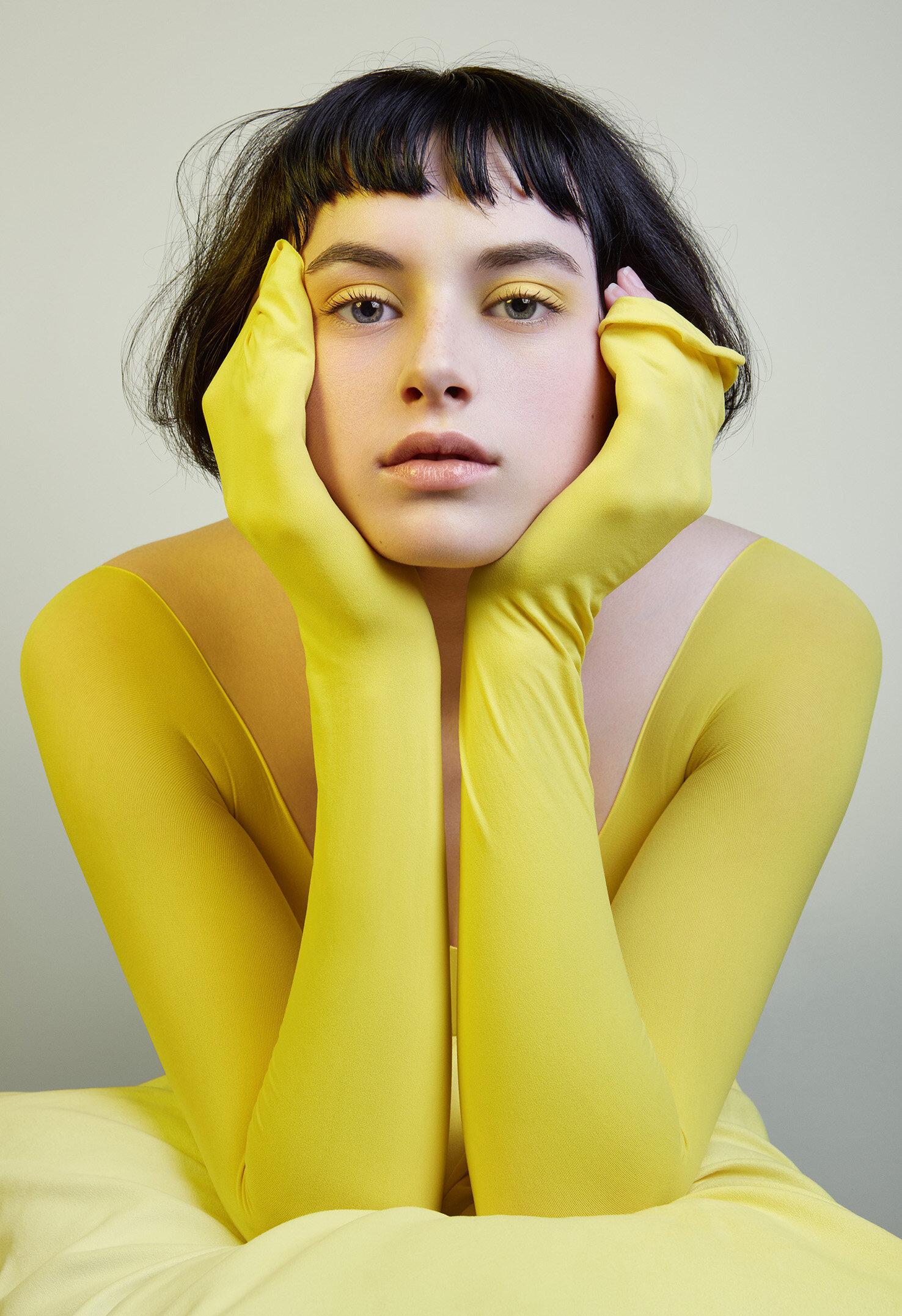 Yellow_Alcide_Rioche_portrait_beauty_photographe_valerie_paumelle_agent.jpg