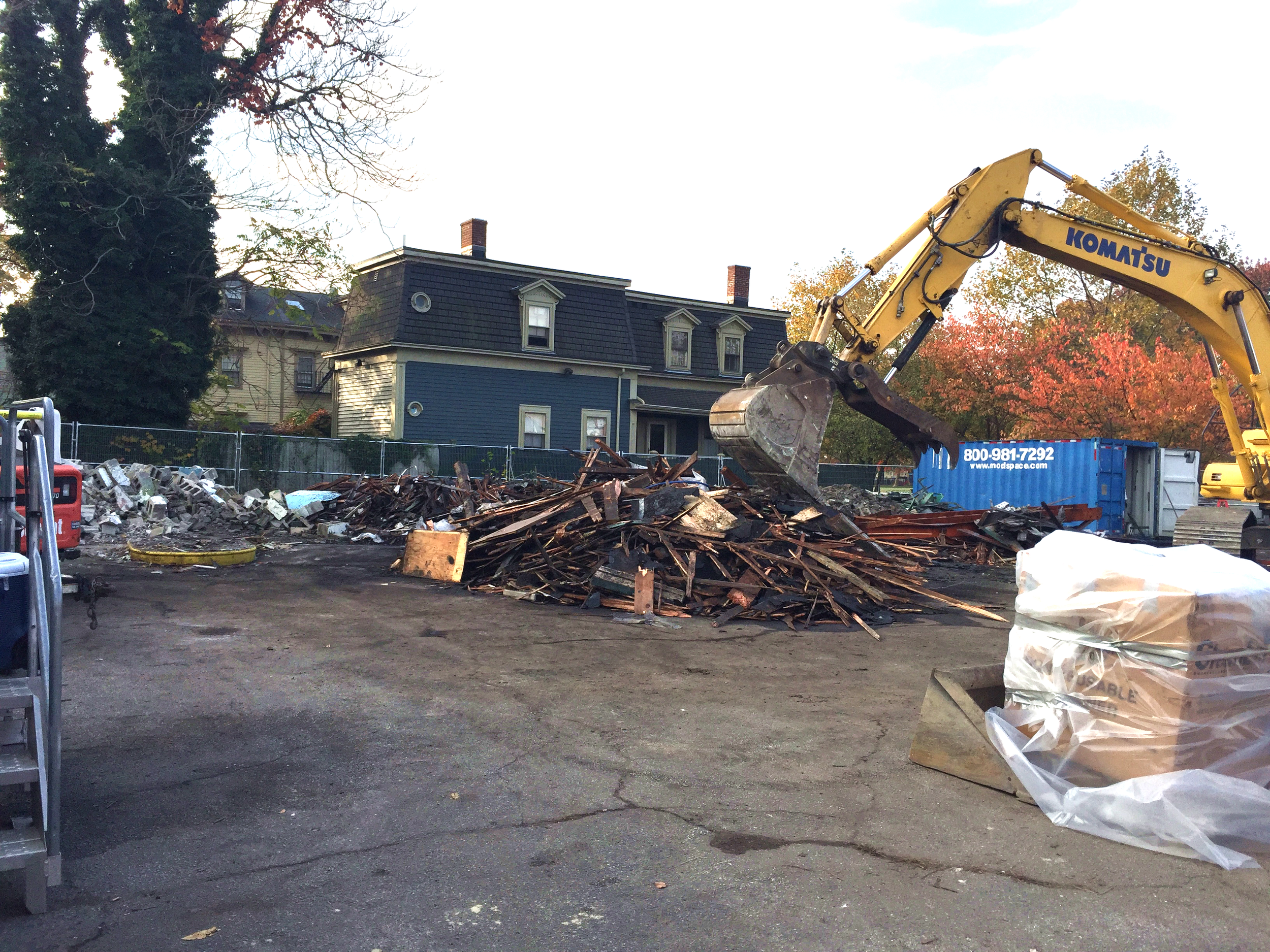 The building is down – November 2016