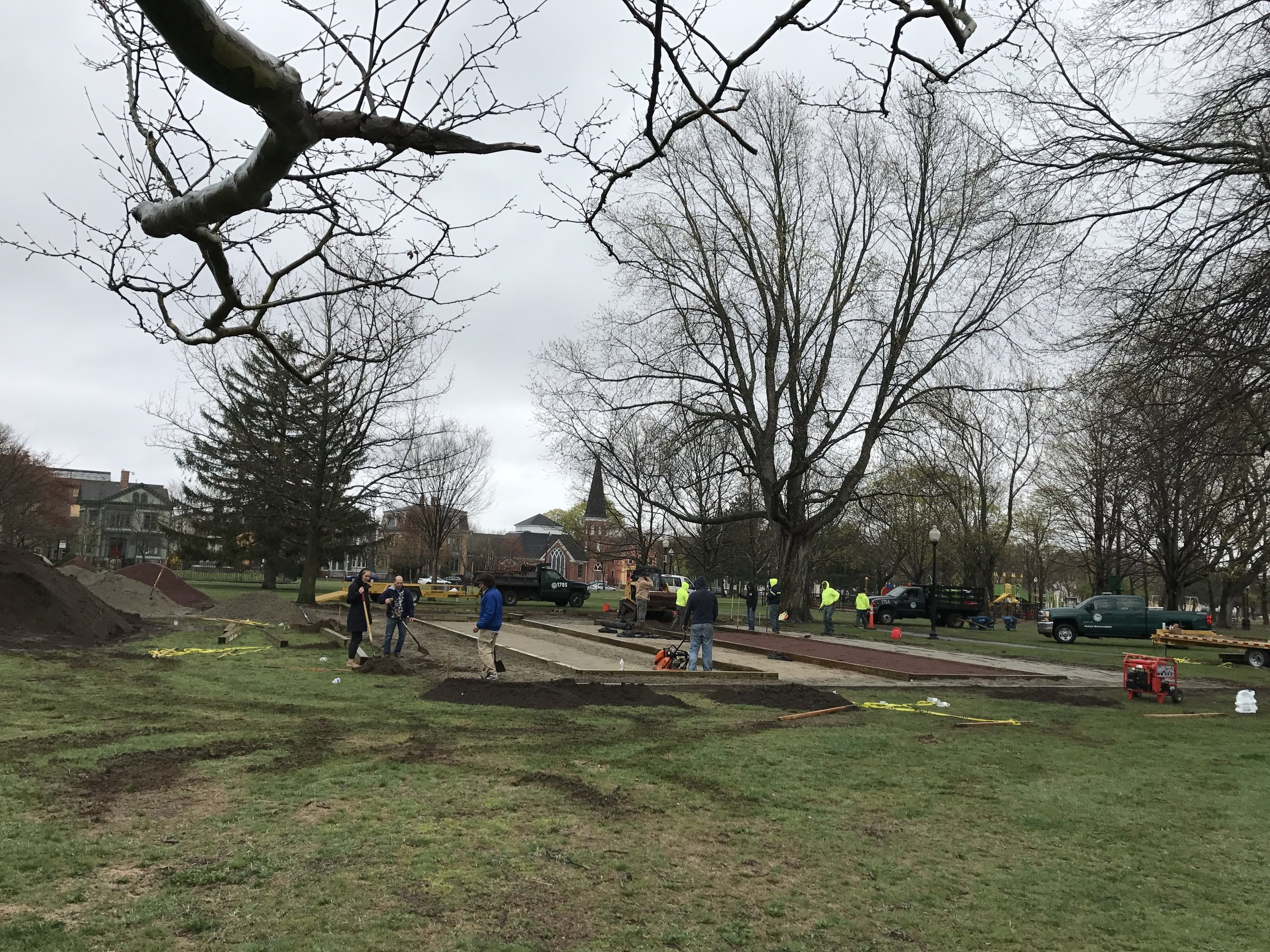 Volunteers arrive early on Saturday of Build Day