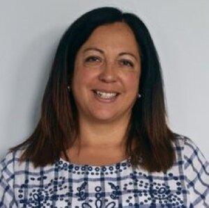 克劳迪娅·莱利,高级财务教练