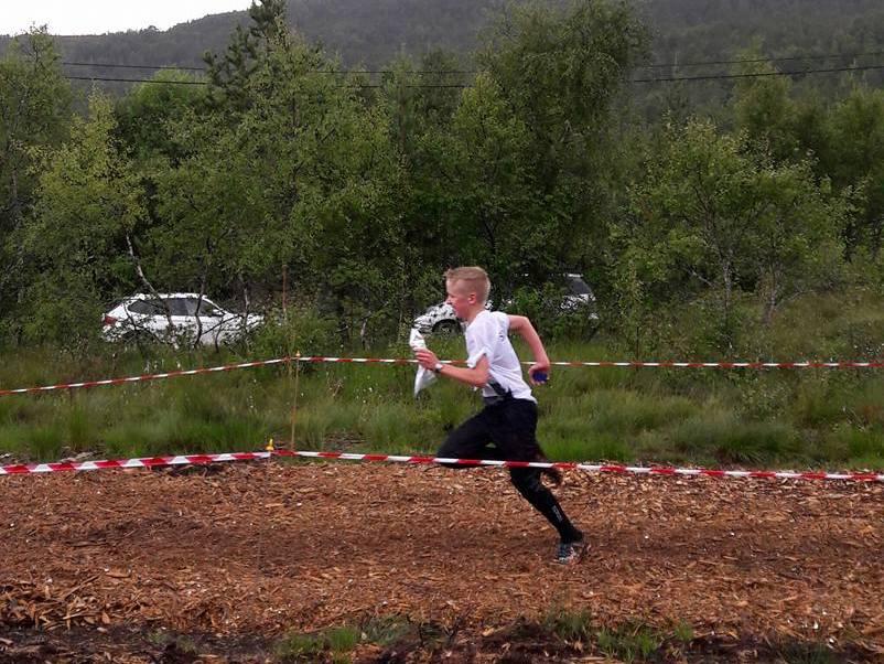 Håkon i sprint mot mål.