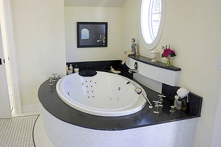 Bathroom2_678.jpg