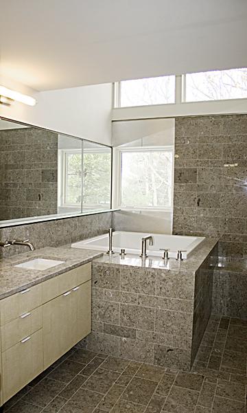 Bathroom5b_679.jpg
