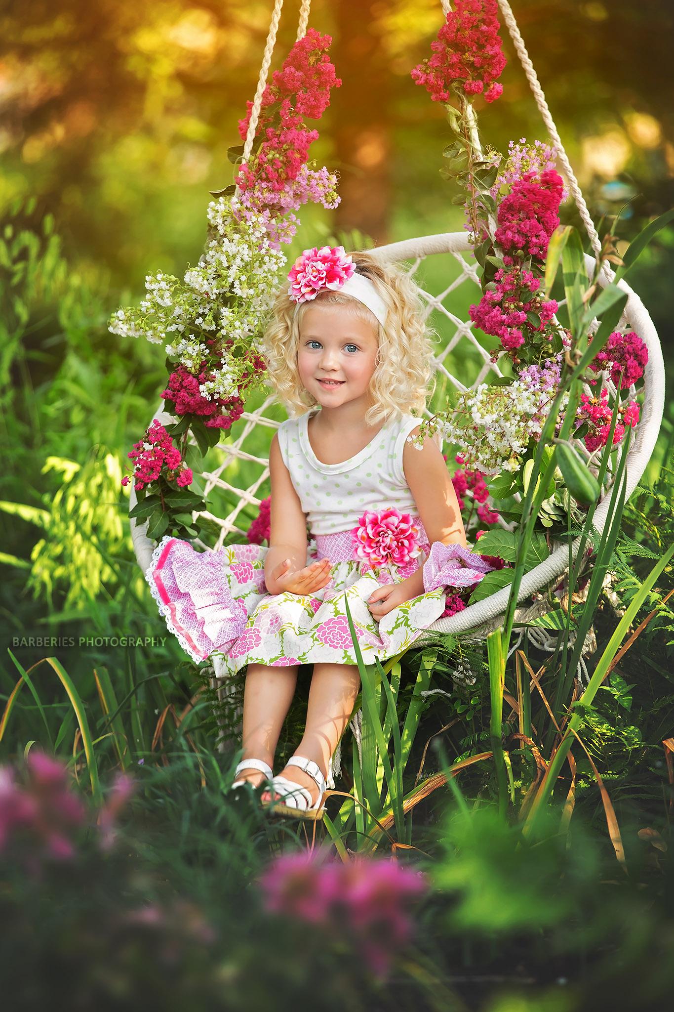 HOUSTON-CHILD-PHOTOGRAPHER-BARBERRIES-PHOTOGRAPHY-MACRAME-SWING.jpg