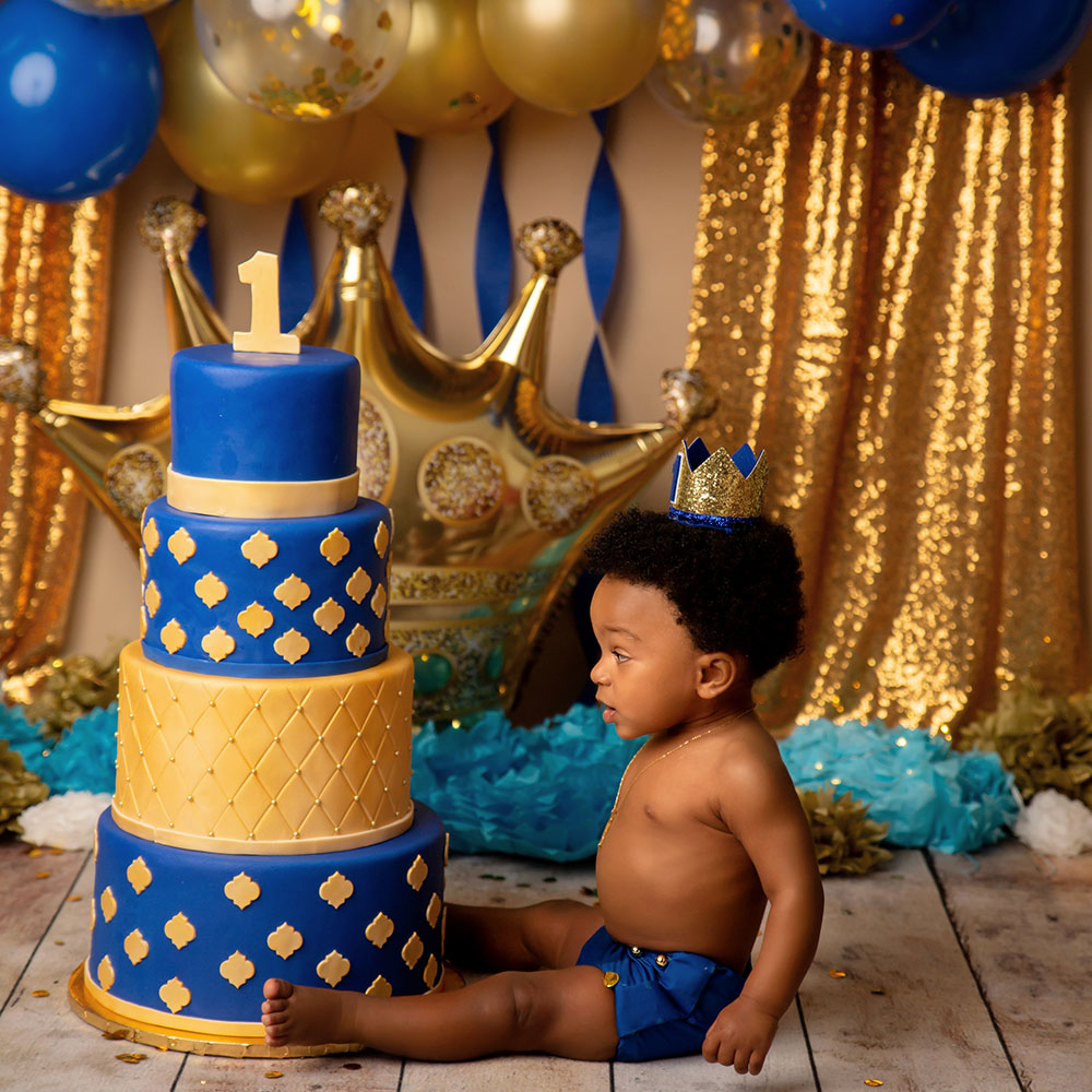 boys-cake-smash-photographer-houston.jpg