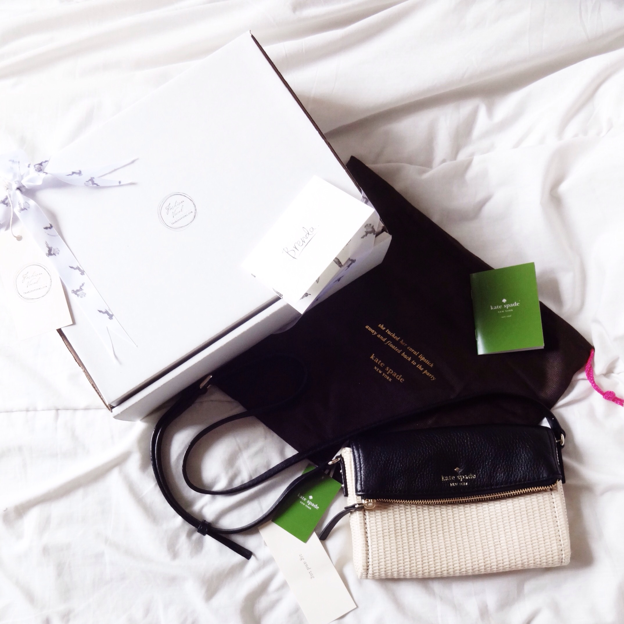 Fashion Vocal : Neat packaging furnished with ribbons and a handwritten card
