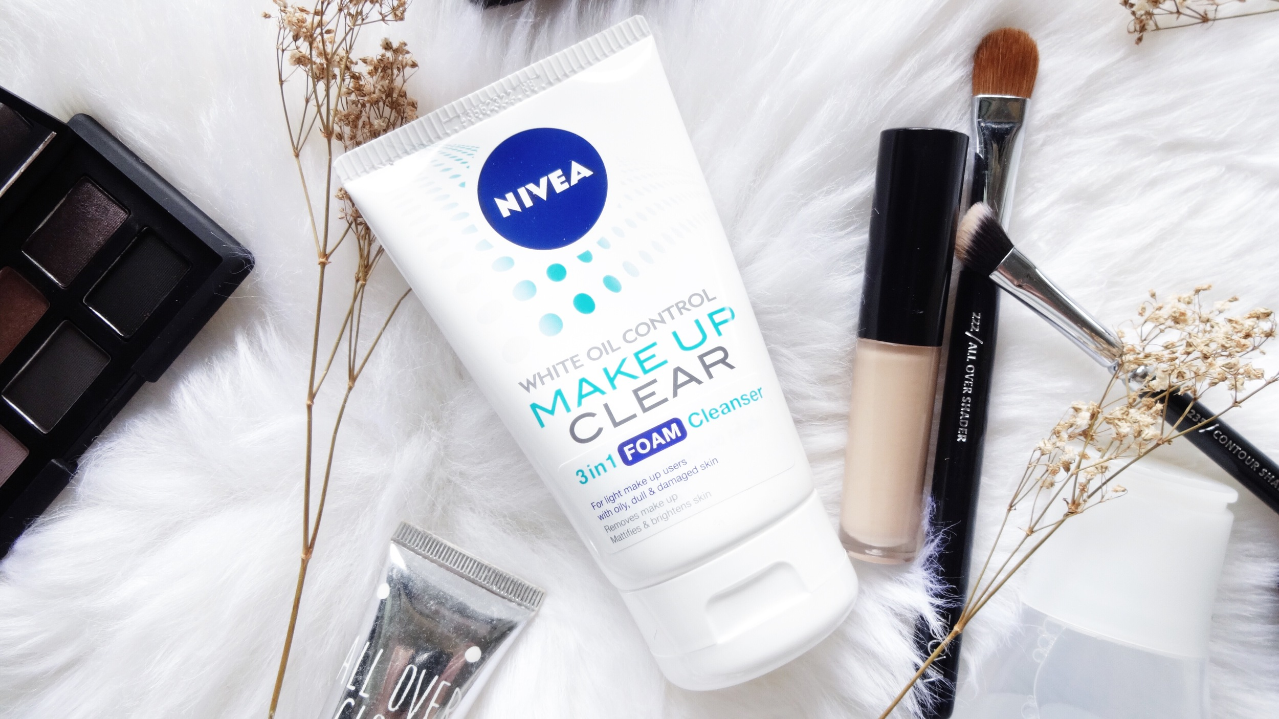 NIVEA Make Up Clear 3-in-1 Foam Cleanser