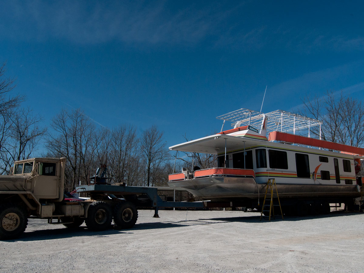 WE can PULL OUT up to a 100' HOUSEBOATS!