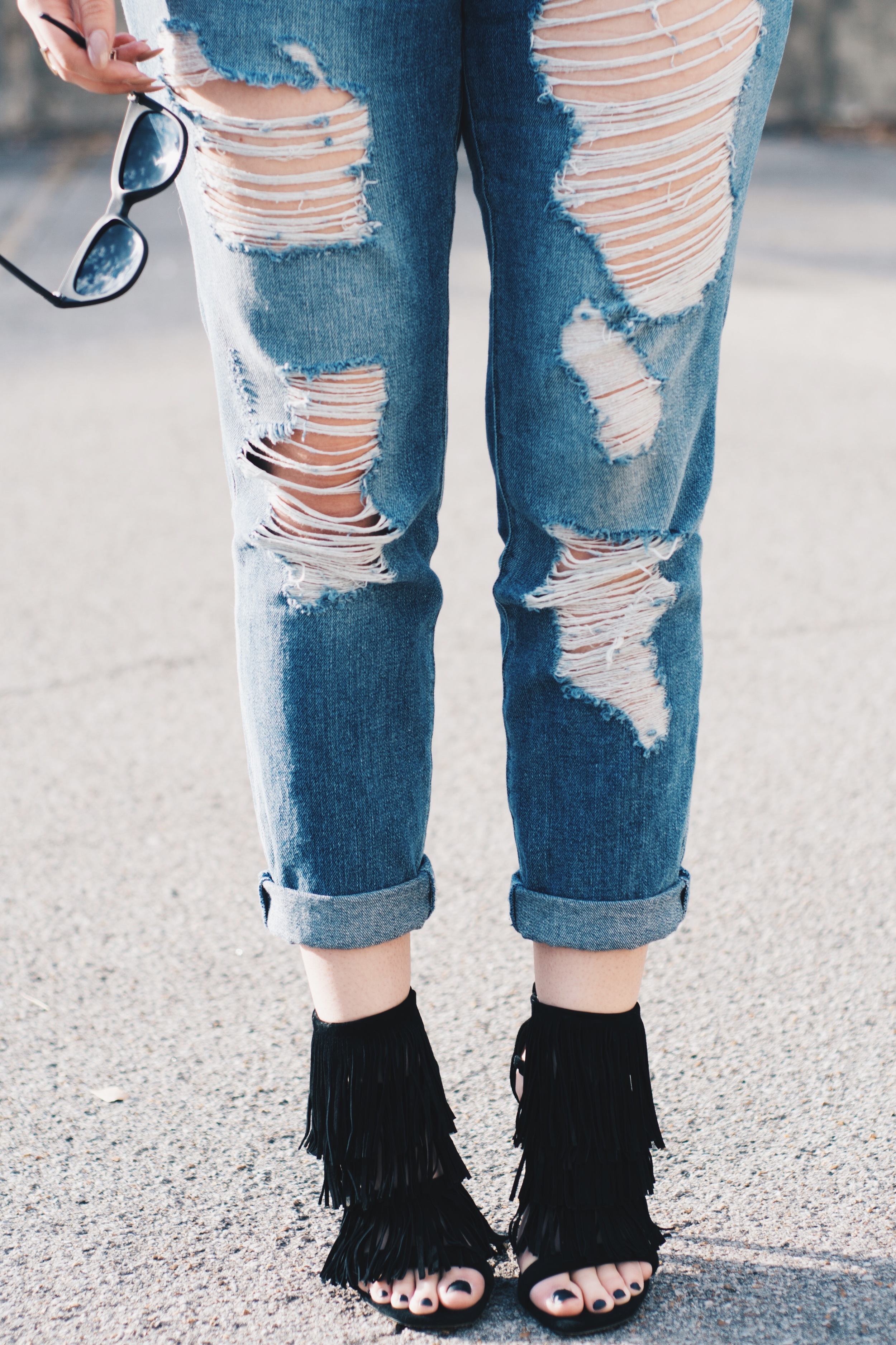 ripped-jeans-lulus