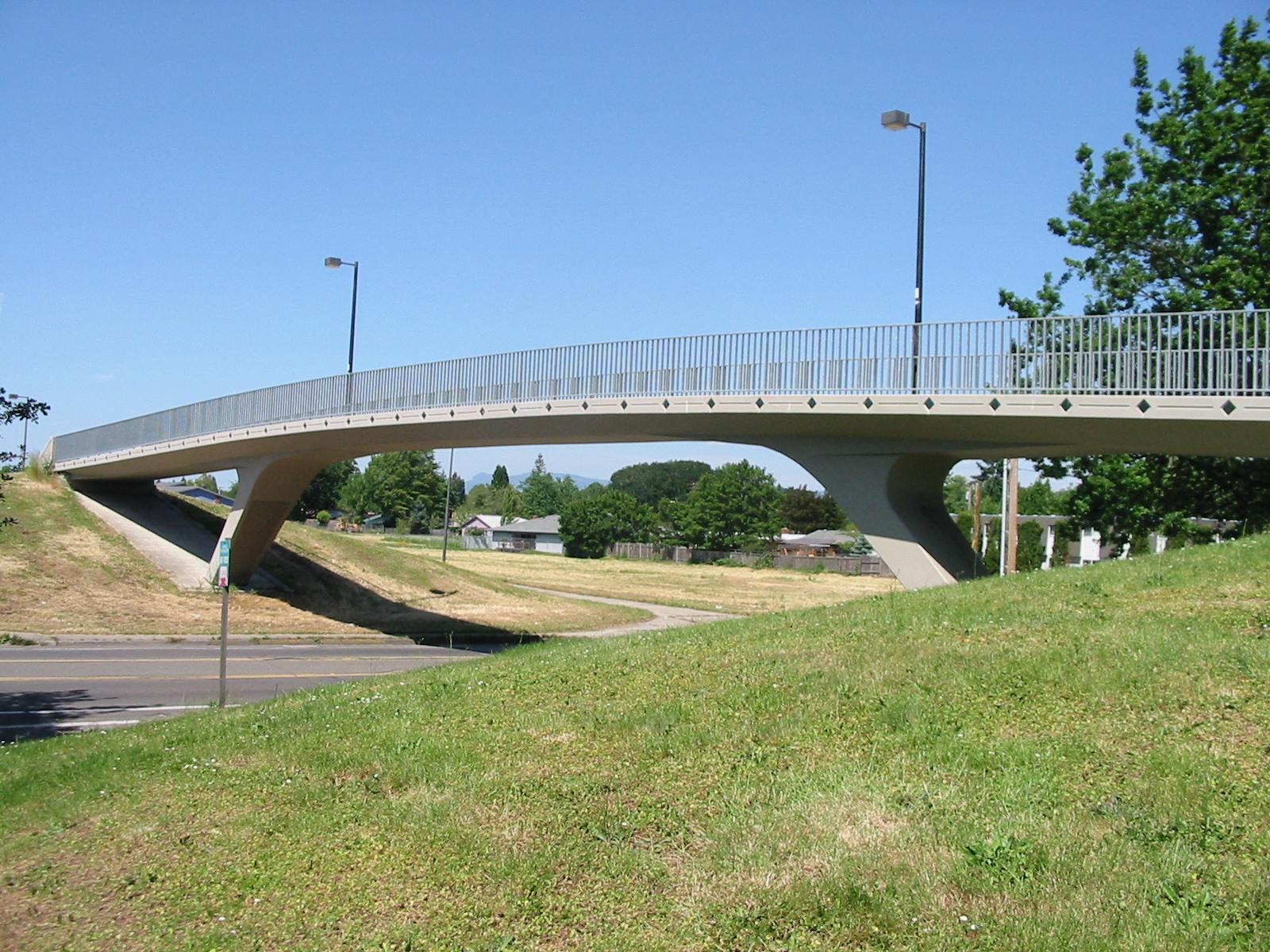 18th Avenue Pedestrian & Bicycle Bridge | Eugene, Oregon