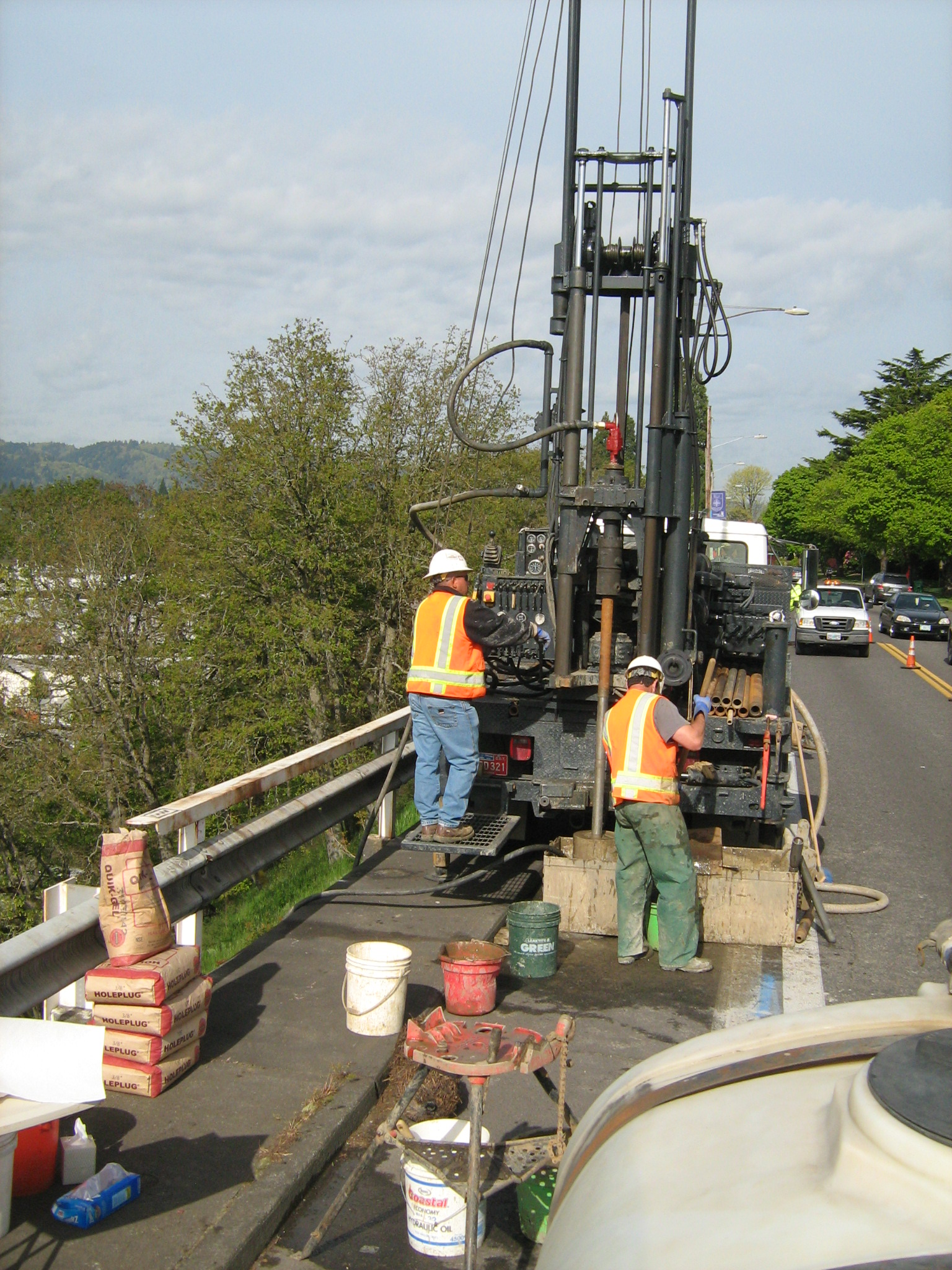 2152010 N Willamette Retaining Wall (31).jpg