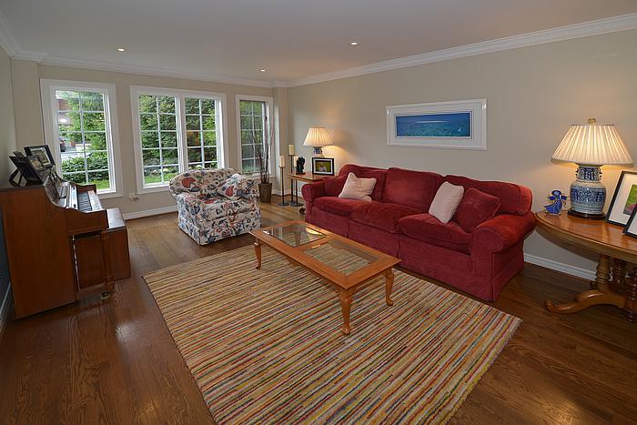 livingroom_700.jpg