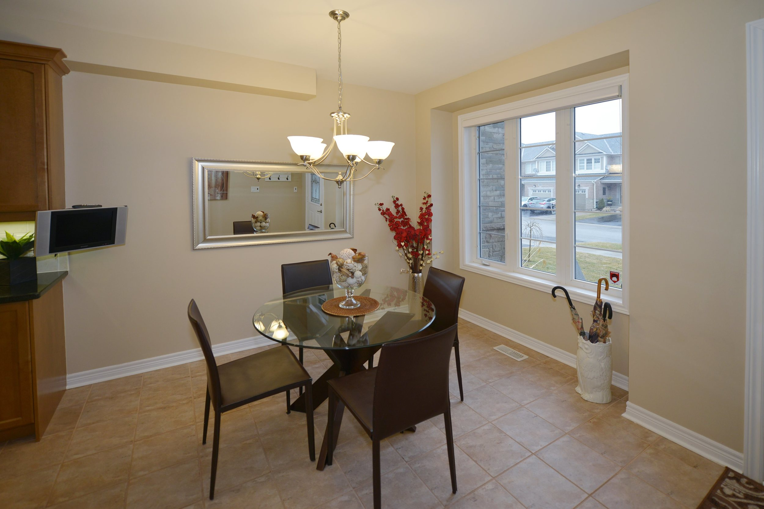 3240_epworth_cres_MLS2084916_HID924933_ROOMbreakfastnook.jpg