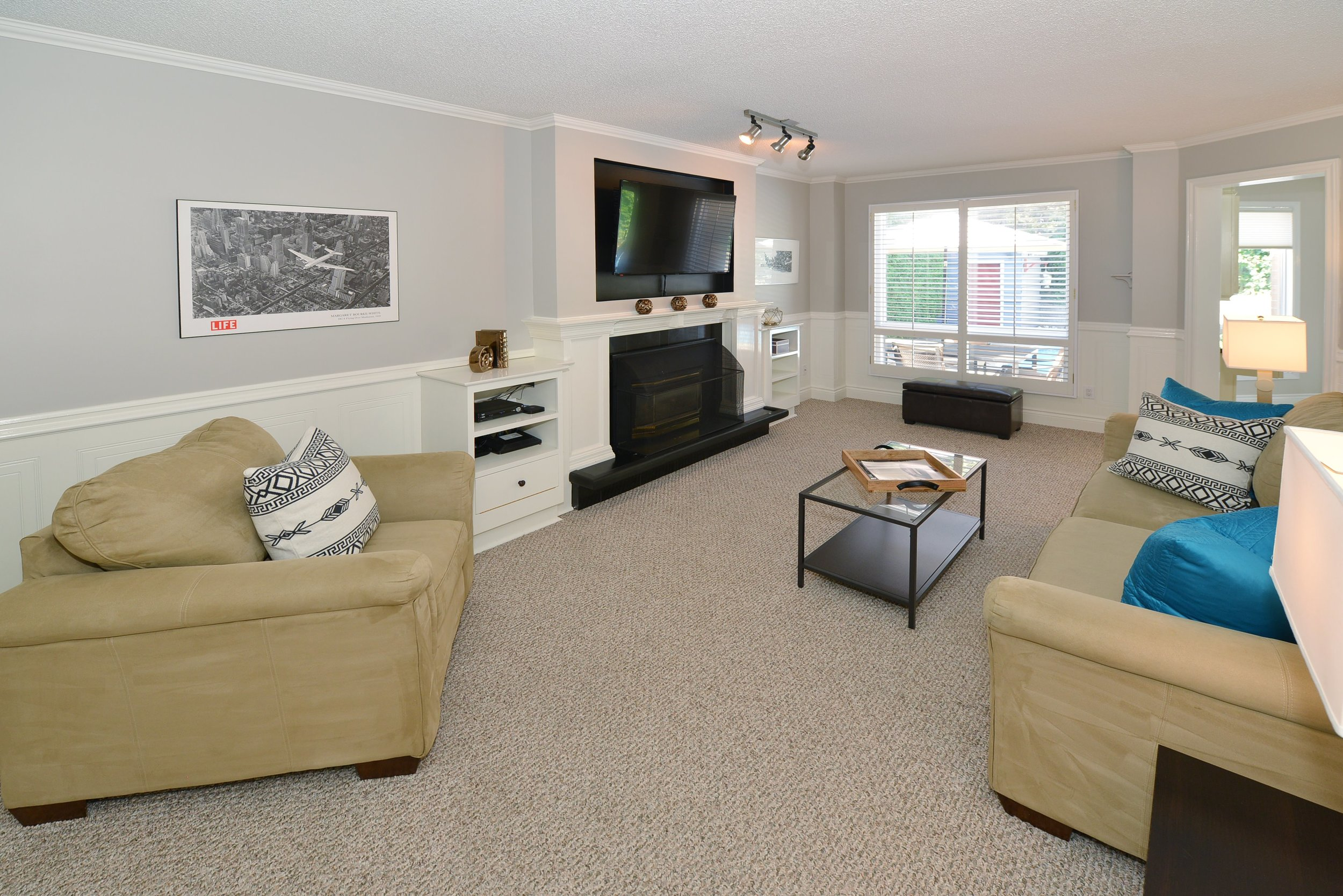 2767_guilford_crescent_MLS30538562_HID1121270_ROOMfamilyroom.jpg