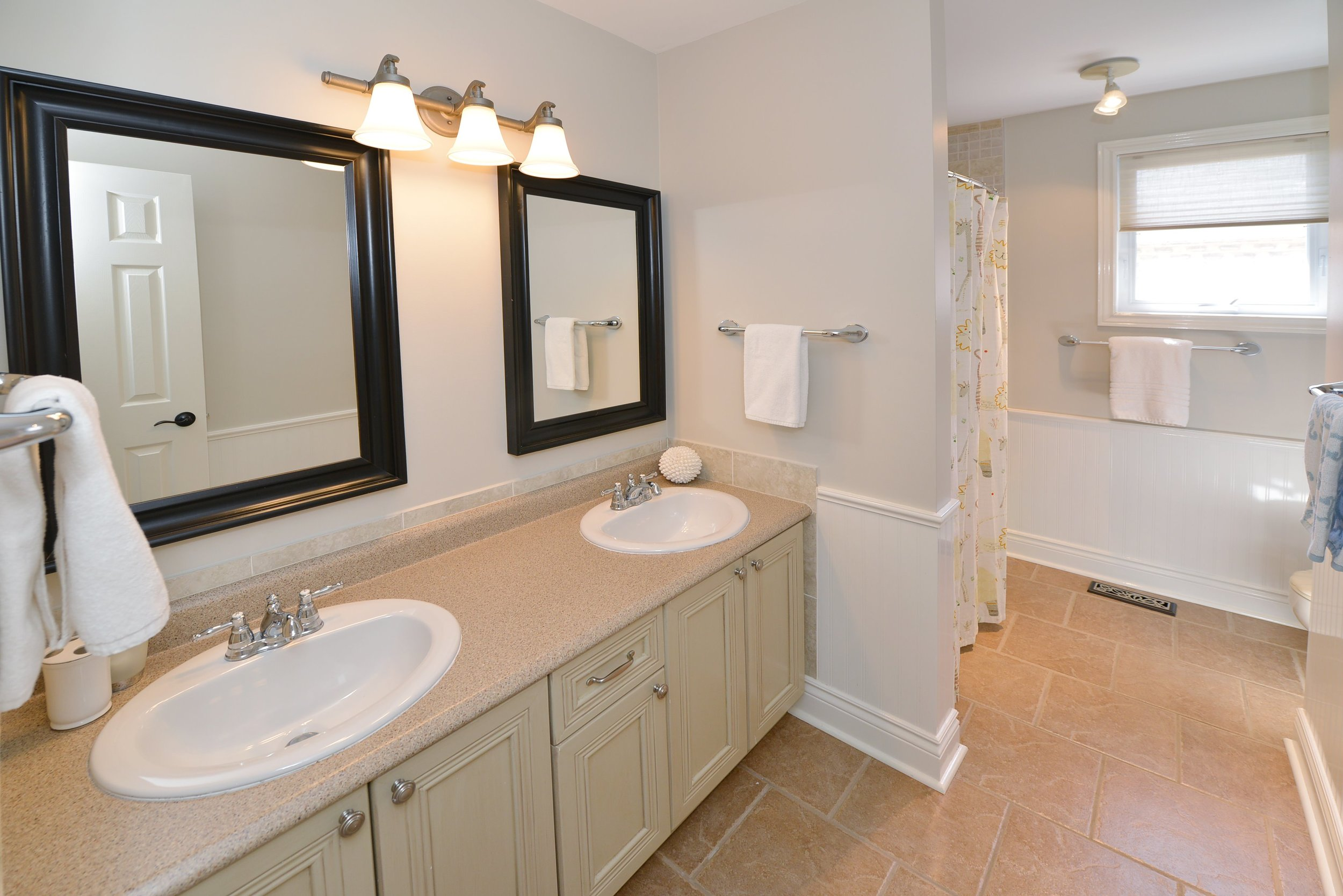 2767_guilford_crescent_MLS30538562_HID1121270_ROOMbathroom.jpg