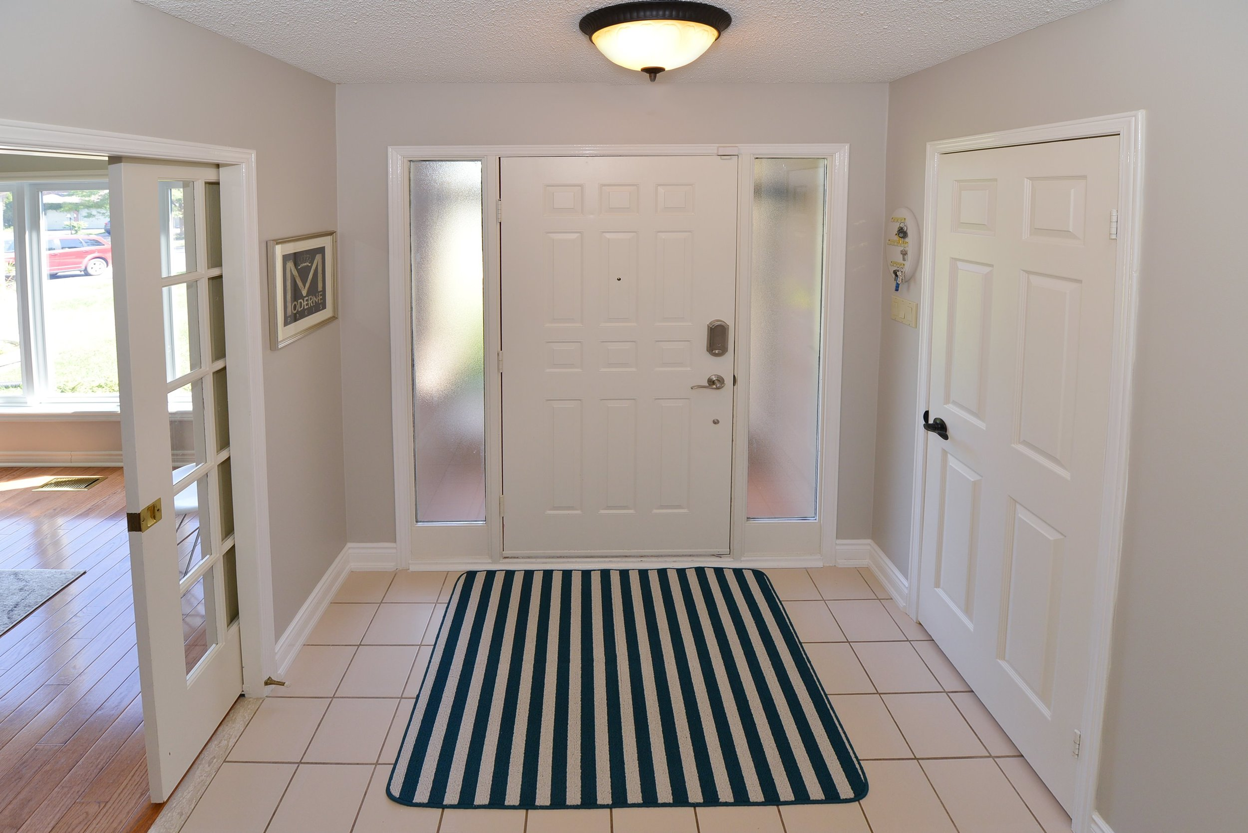 2767_guilford_crescent_MLS30538562_HID1121270_ROOMfoyer.jpg