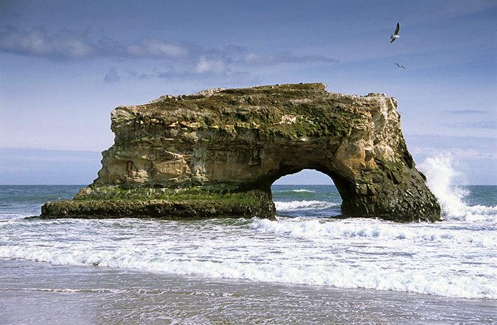 Natural Bridges / Photo by VSCC and Denis Jockmans