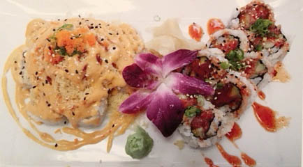 Lunch special combo - spicy crab salad & spicy tuna roll.JPG