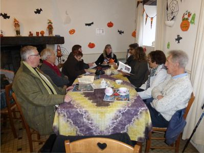 meeting at the Café Associatif in Asnières (from   Asnières-sur-mon-blog  )