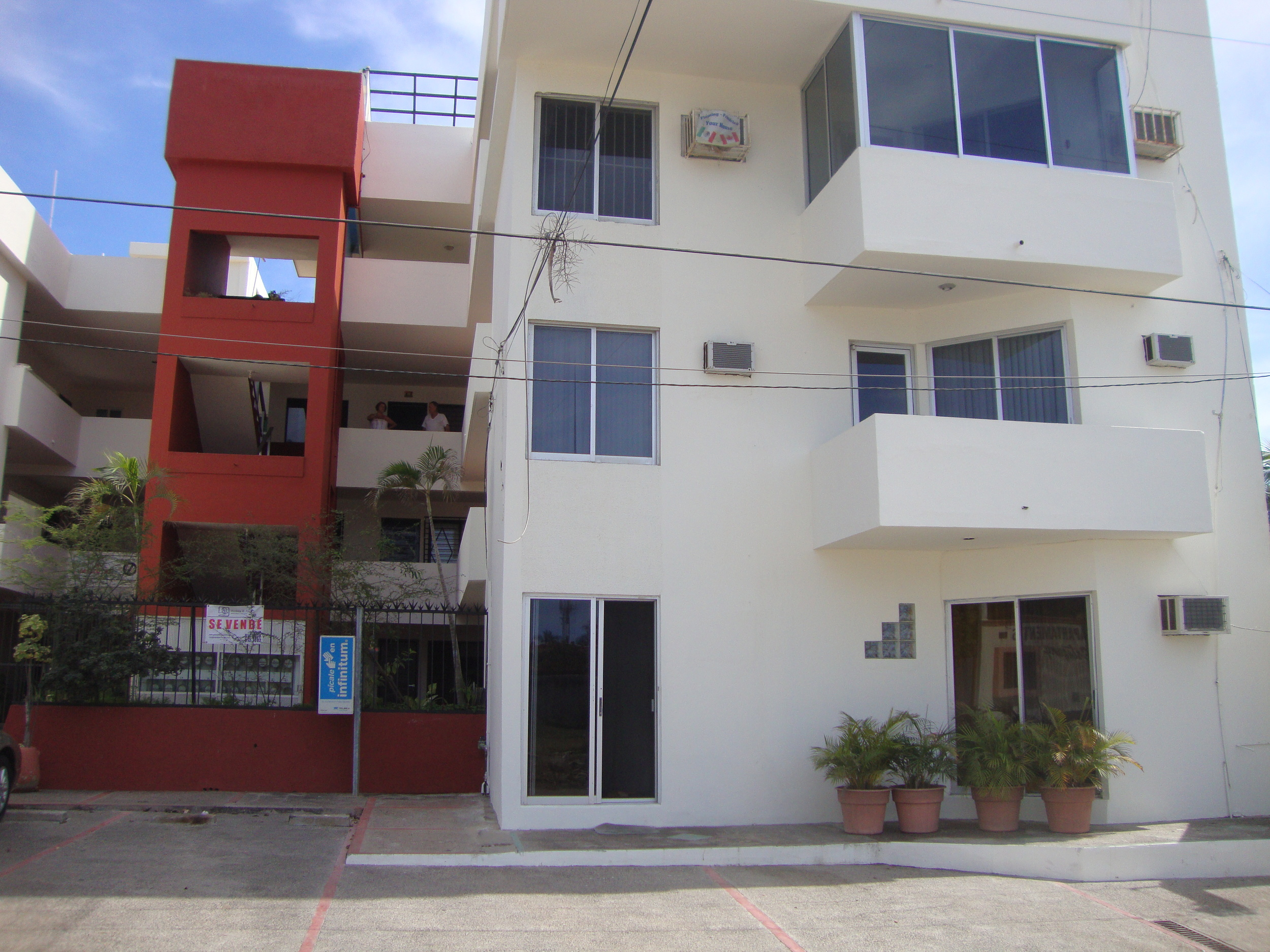 2-Main Floor - north facing.JPG