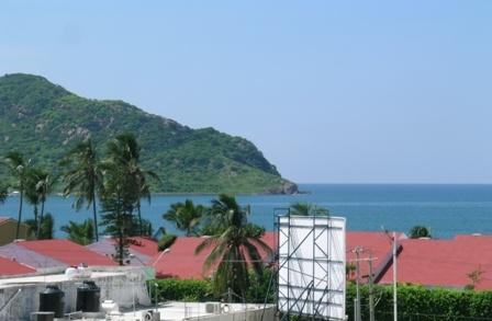 7-Esc. Roof View.JPG