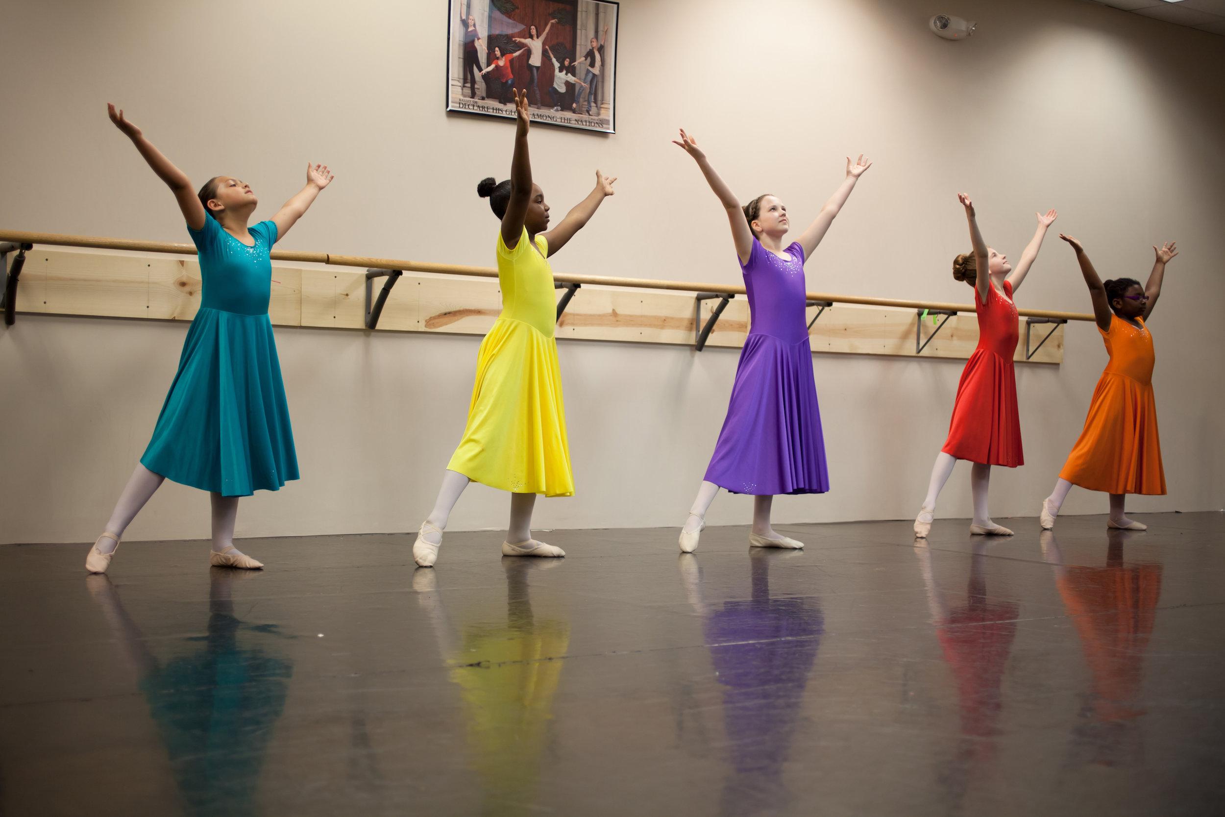 2012_intermediate_ballet_class.jpg