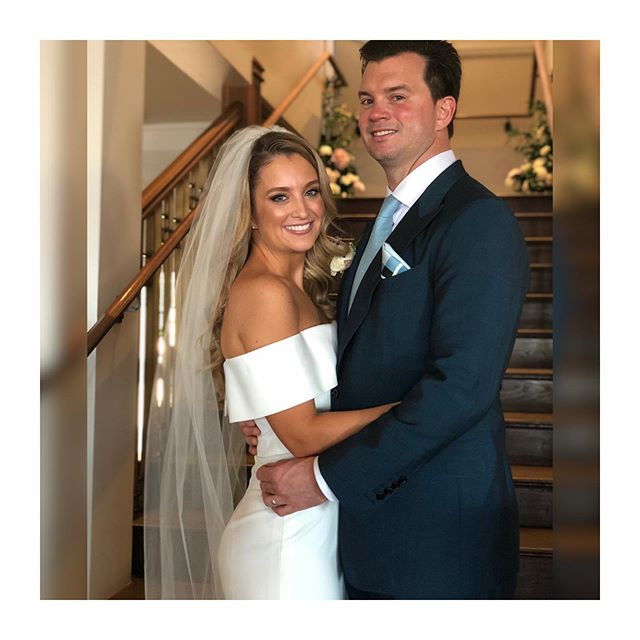 Will you look at that perfect bronzy GLO for Ellie's big day!
