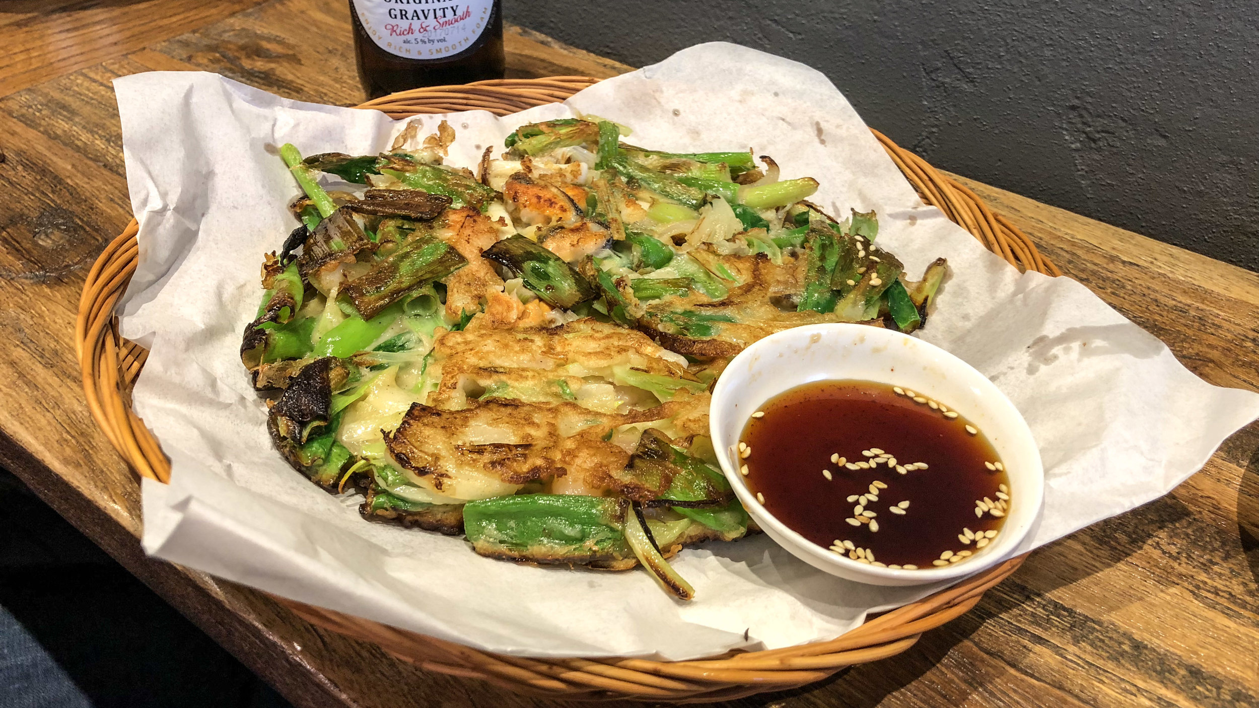 flyingtong_flying_tong_enmore_sydney_newtown_restaurant_diner_asian_korean_night_pancake_seafood_traditional_onion_dipping_kloud_lager