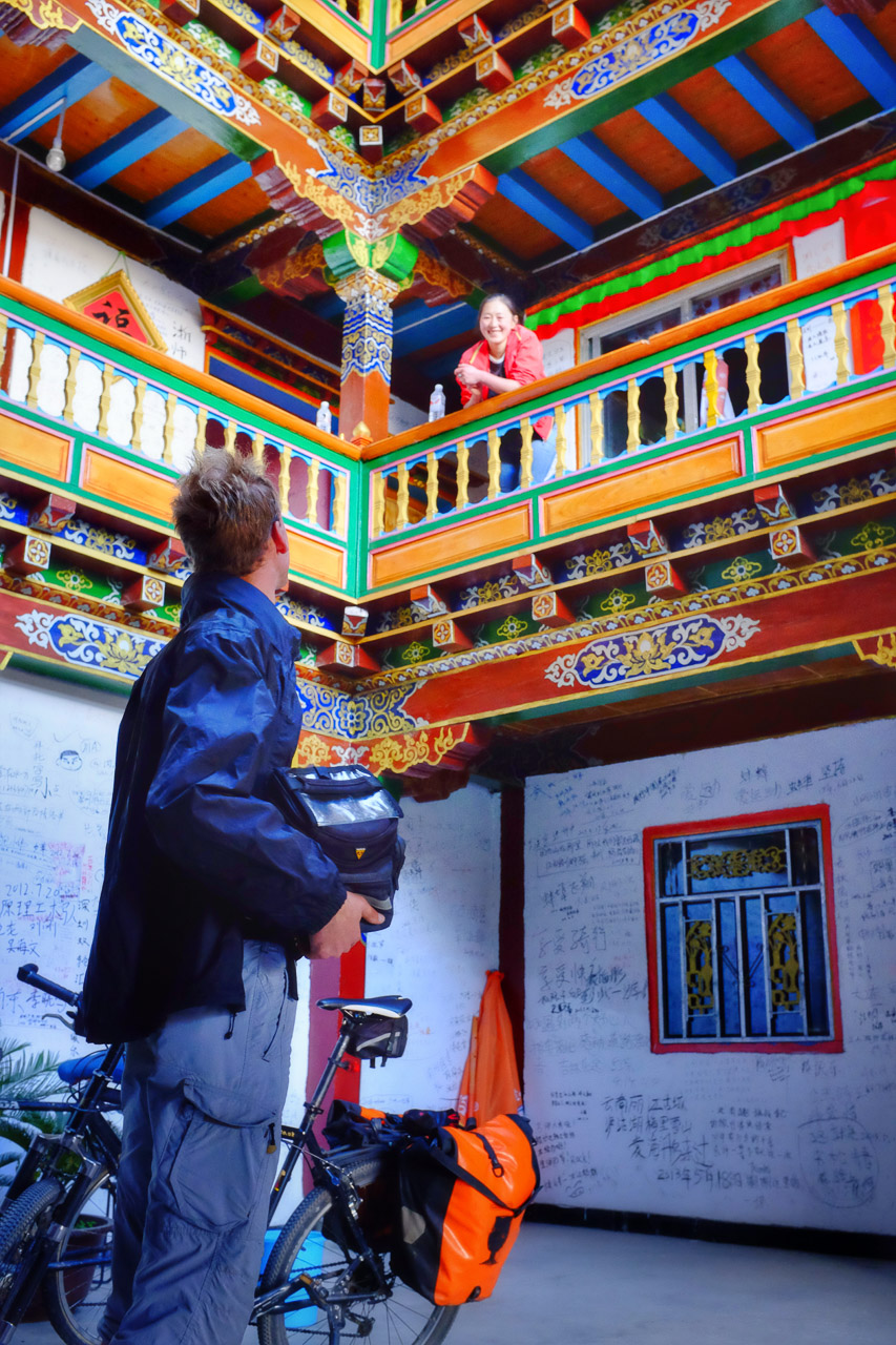 Meeting our Tibetan host in Shusong at her colorful home.