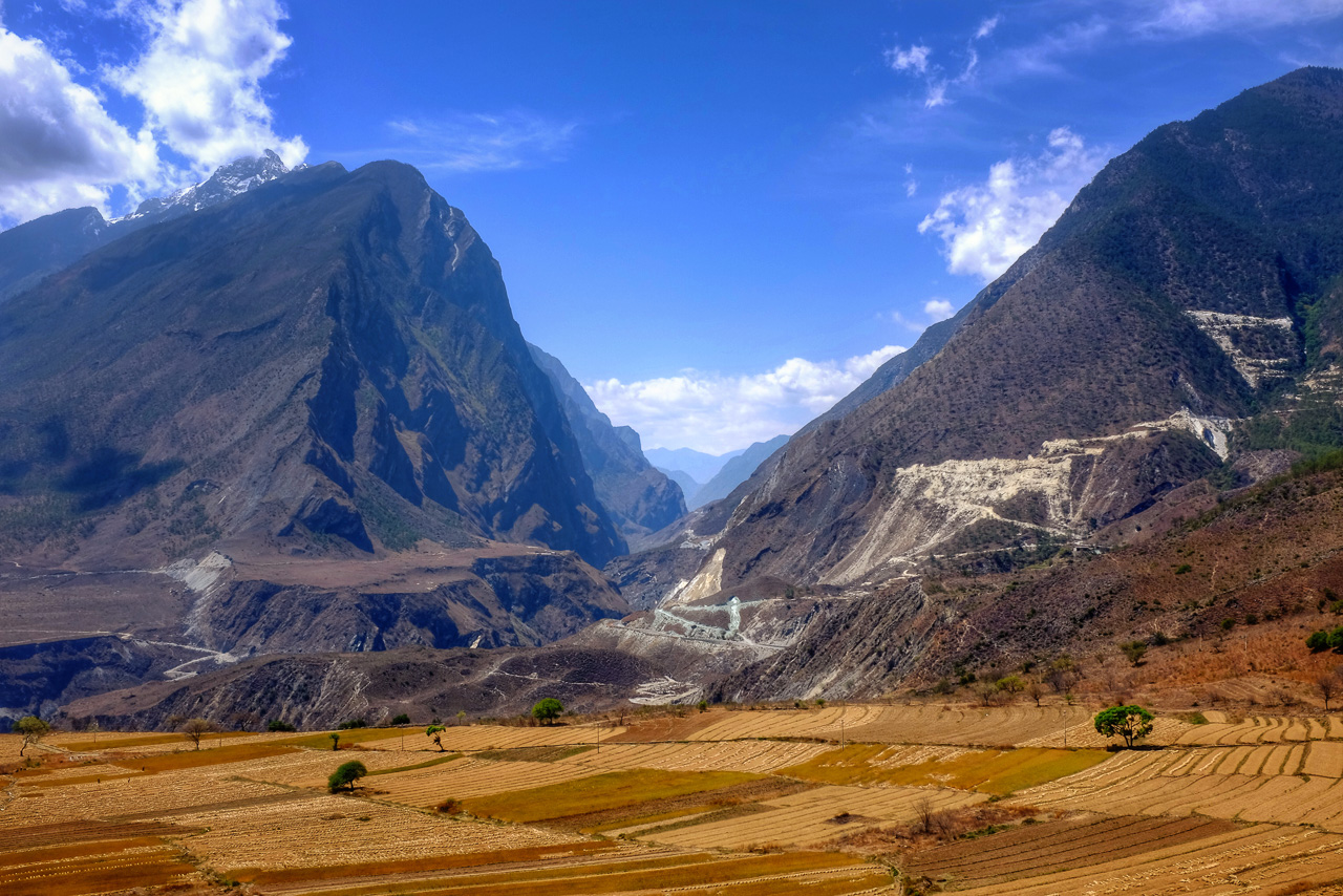Looking south from the north end of Tiger Leaping Gorge.