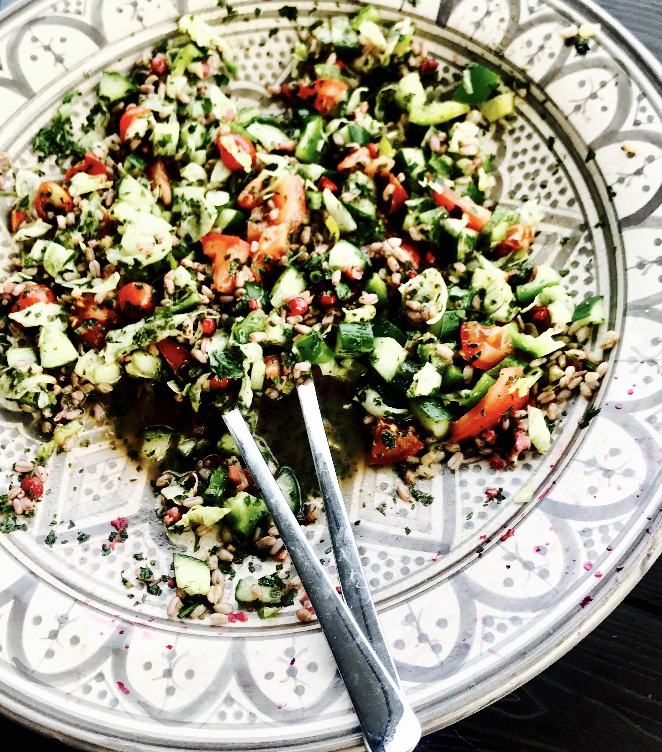Salat med perlespelt.