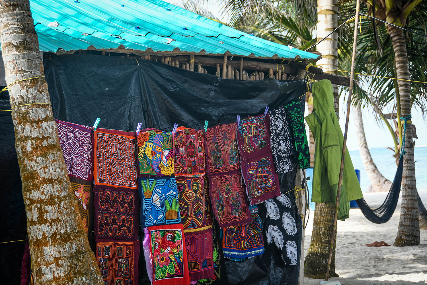 San Blas Islands Panama to Colombia Kuna Mola Fabrics