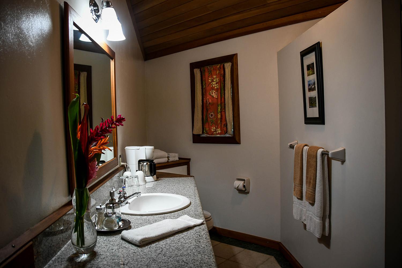 Bocas Del Toro Tranquilo Bay Bathroom