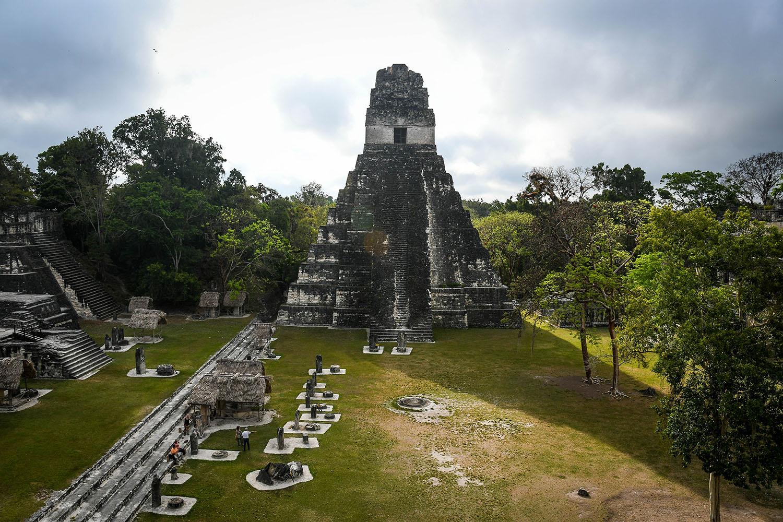 Visit Tikal Guatemala Ancient Ruins Early Morning