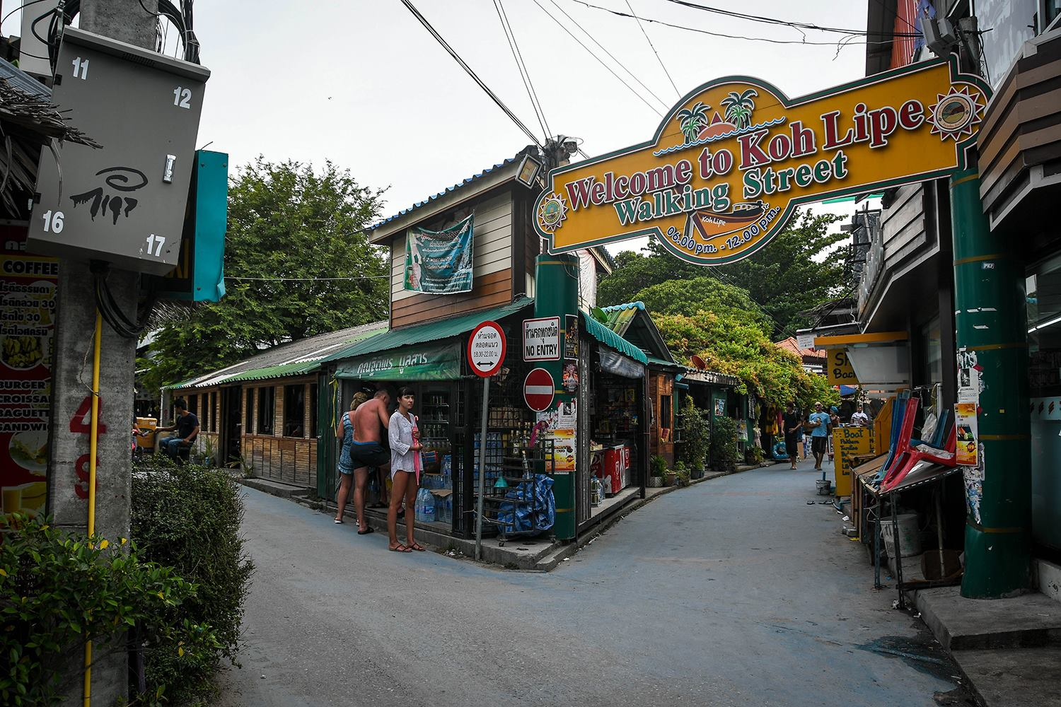 Things to Do in Koh Lipe Thailand Island Walking Street