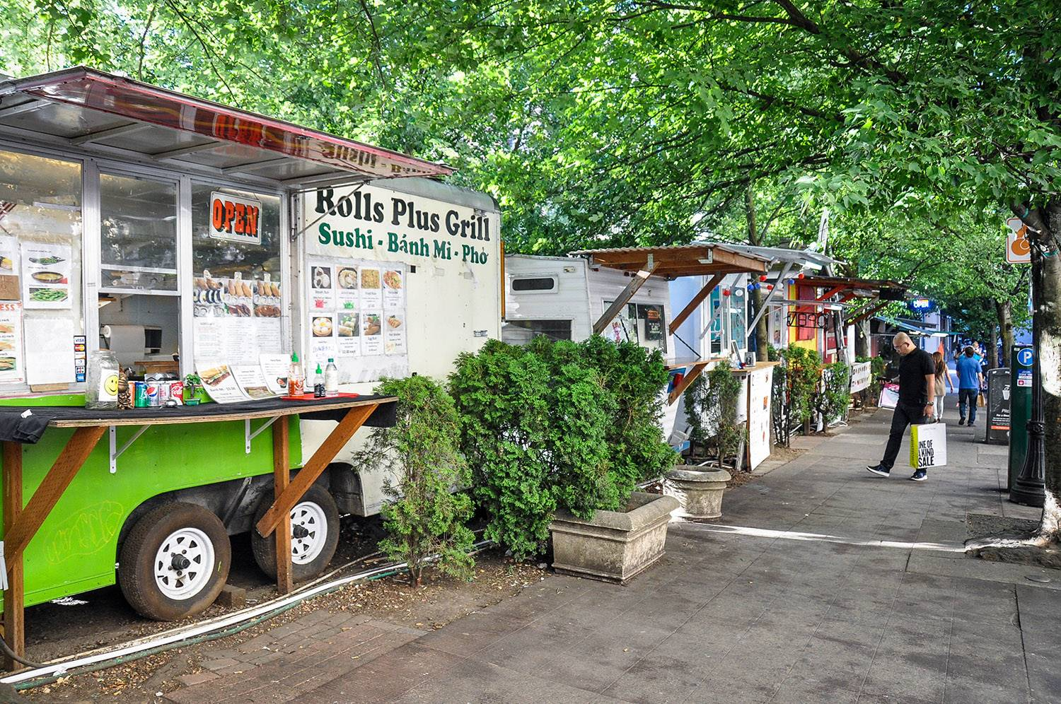Things to do in Portland Oregon Food Truck Pod