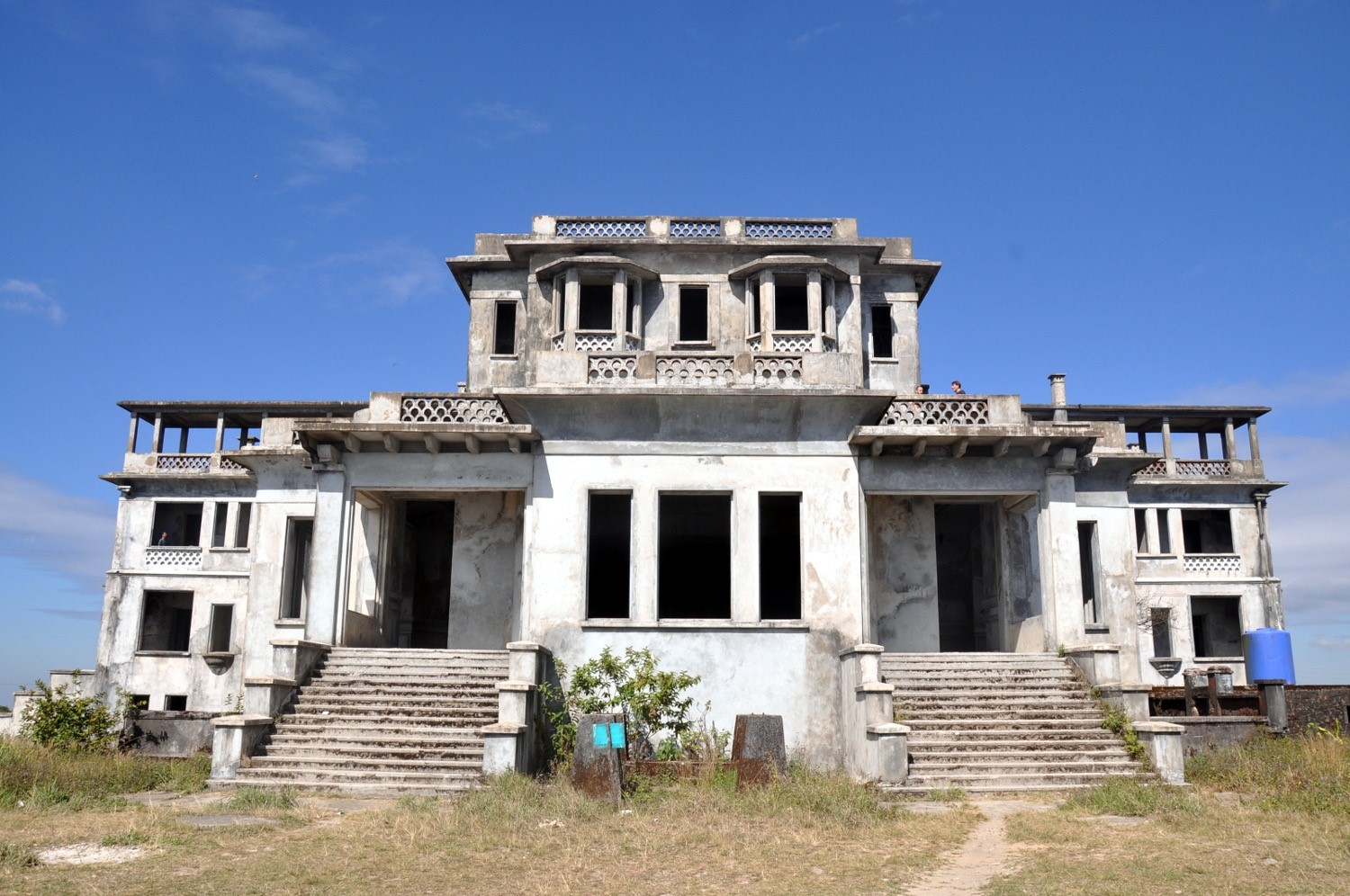 Two Weeks in Cambodia Itinerary Bokor Mountain Old Casino