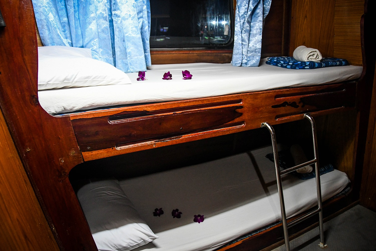 Similan Islands Liveaboard Wicked Diving Thailand Boat Bedroom