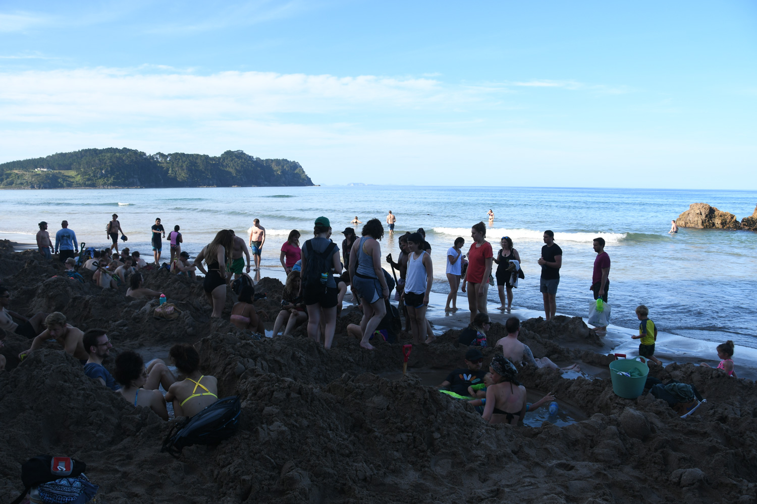 North Island New Zealand Itinerary Busy Hot Water Beach