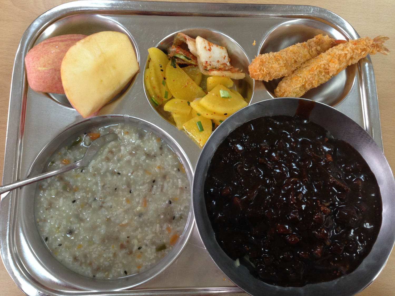 Black Noodles Jajangmyeon Korean Foods to Try
