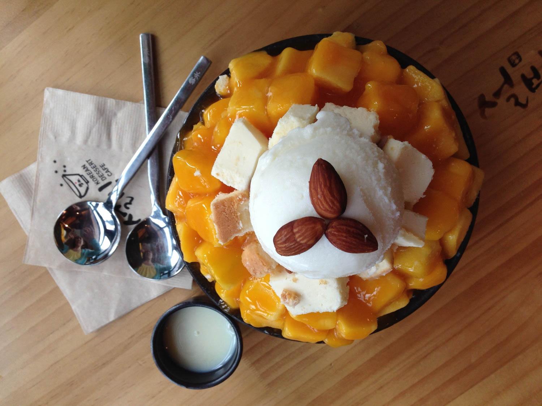 Patbingsu shaved ice dessert