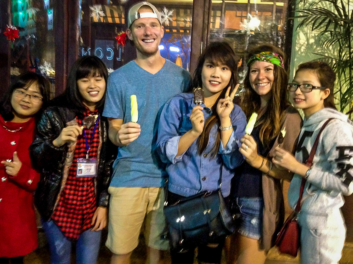 Things to Do in Hanoi | Hanoi popsicles around Turtle Lake